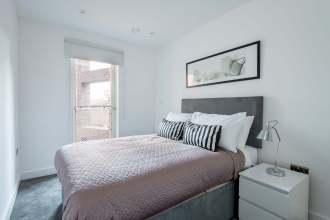 Three bedroom apartment set in an award winning development, Wenlock Road, N1