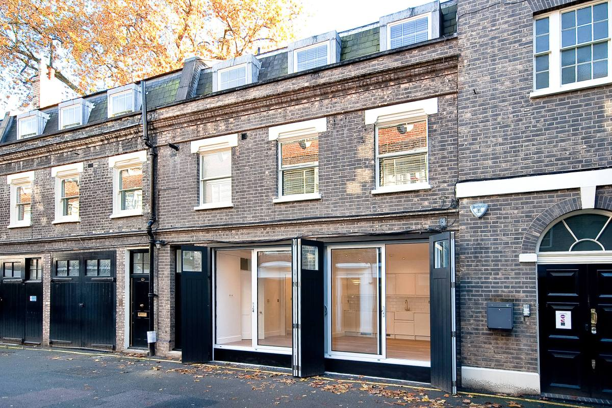 Two bedroom Mews House set in a peaceful location, Gower Street, WC1