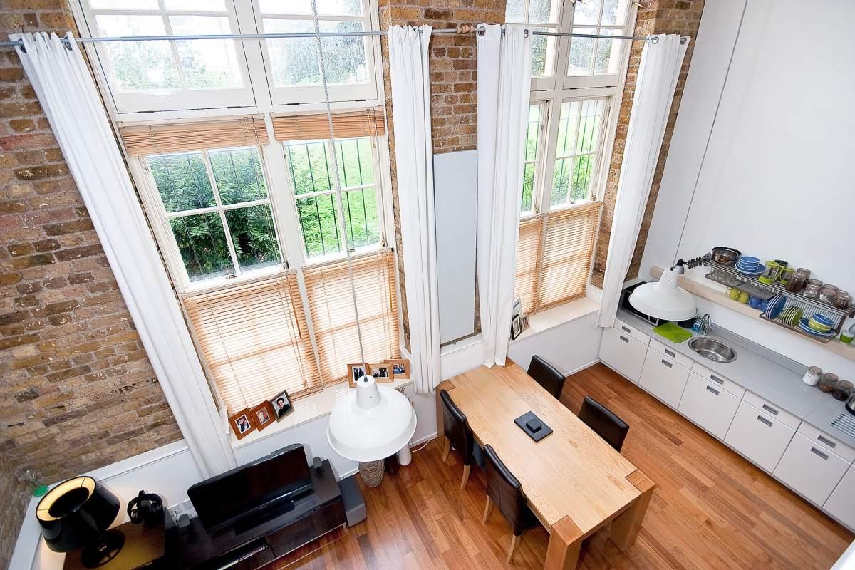 Desirable school conversion,2 Bedroom Split Level Apartment on Jubilee Street , E1