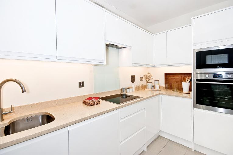 Room at the Inn? One bedrom apartment, Gower Mews, WC1