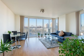 Popular Poplar, two bedroom apartment in Panoramic Tower, E14