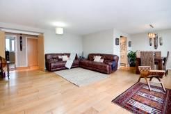 Stunning Three Bedroom Property With Dual Aspect Views, Berglen Court, E14