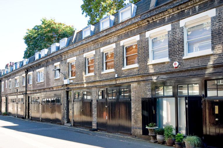 Two Double Bedroom Charming Maisonette, Gower Mews, WC1