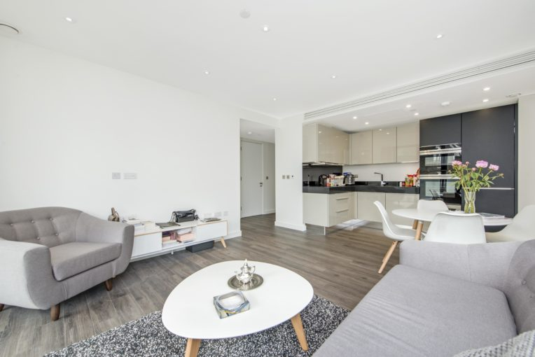 Two Bedroom Apartment in Prestigious Goodman's Fields, Aldgate East, E1