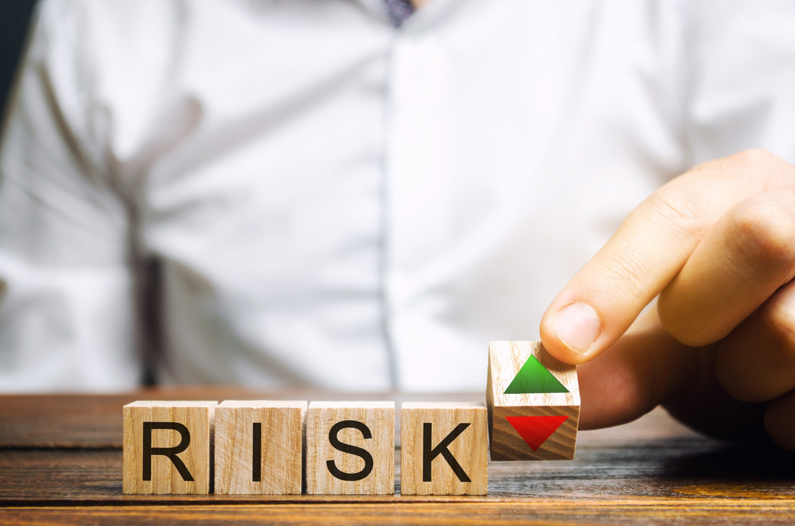 ¿Cómo invertir en opciones gestionando el riesgo?   iBroker