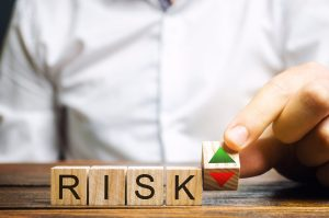 ¿Cómo invertir en opciones gestionando el riesgo? | iBroker