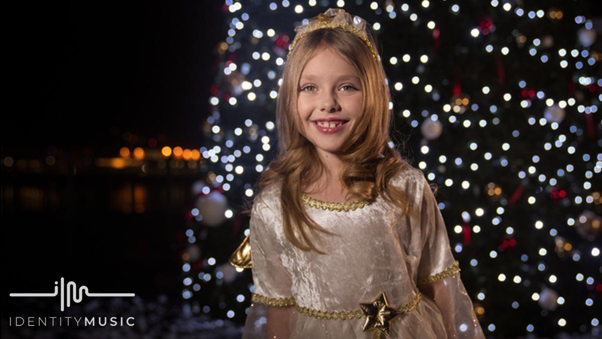 Lyra Cole: An Inspiring Christmas Story