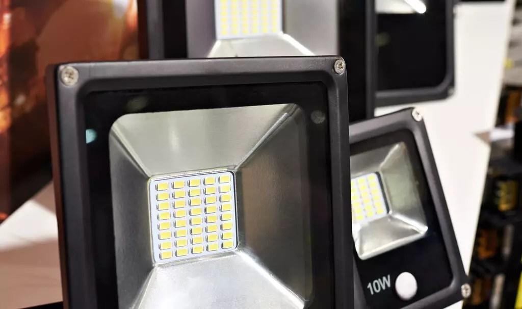 Afinal, quais são os benefícios dos refletores MICRO LED?