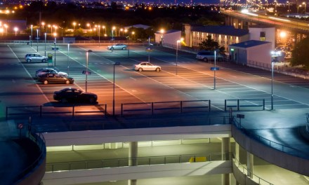 Iluminação para estacionamento externo: aprenda como fazer