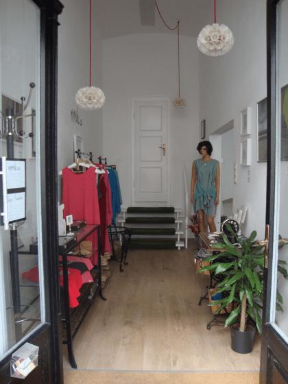 Vermiete zur Mitbenutzung schöne und gut gelegene Atelier Räumlichkeiten im 6. Bezirk nähe U3 Neubaugasse
