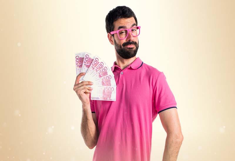 Pakaian Pria dengan Budget Khusus