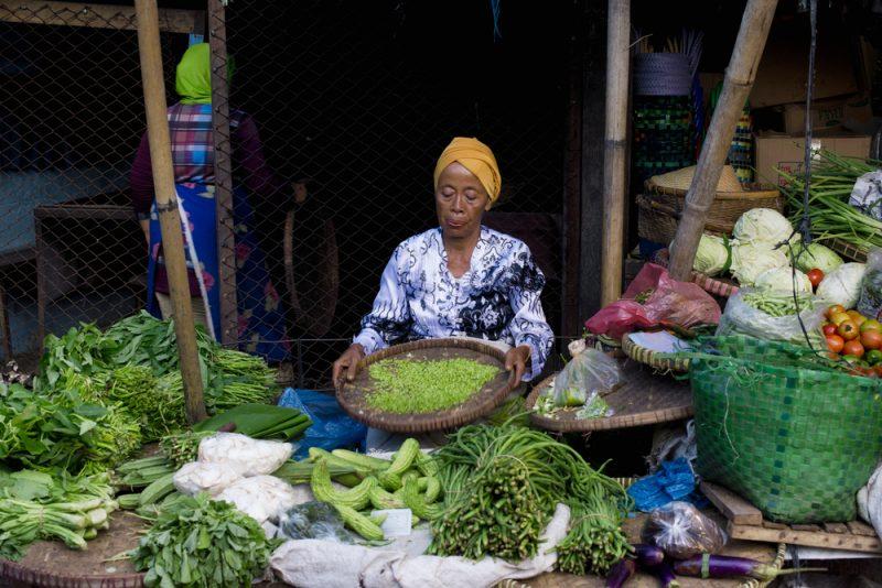 Belanja di Pasar Tradisional