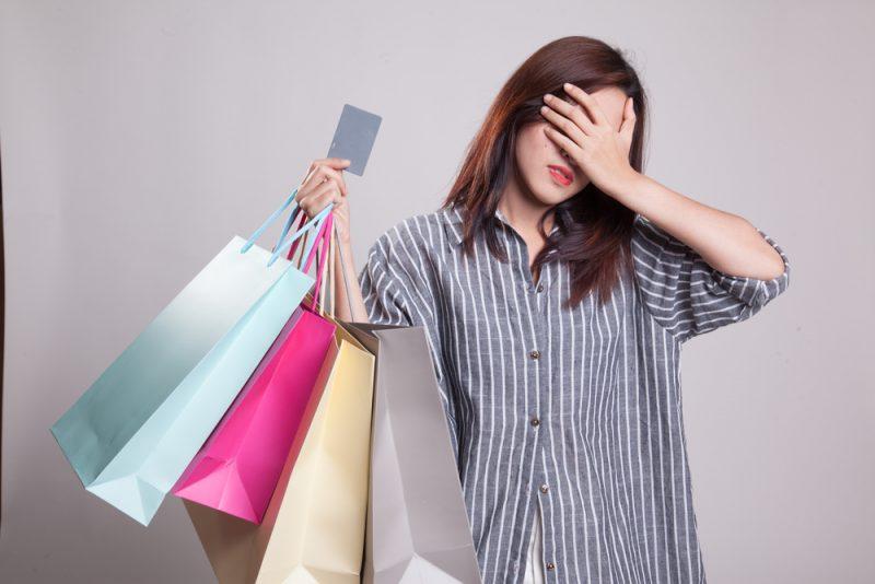 Boros Belanja Pakai Kartu Kredit