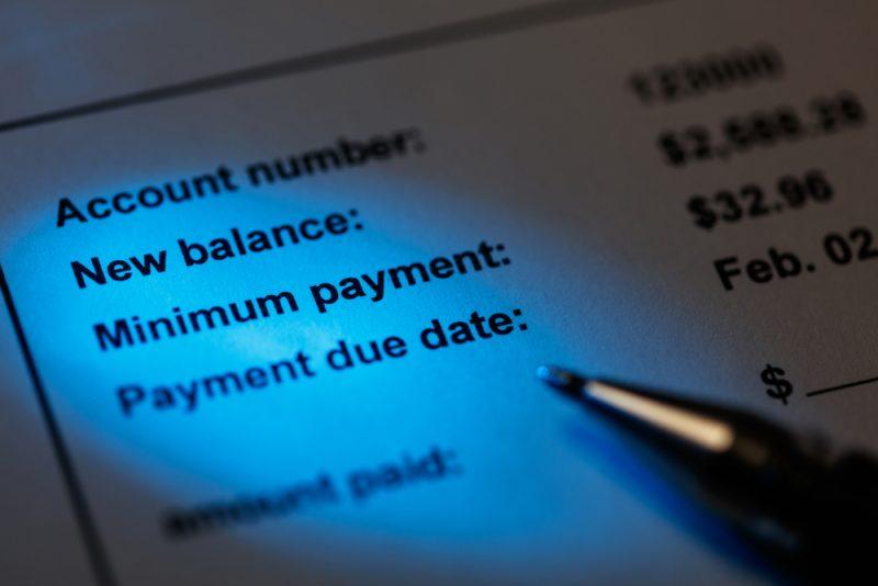 Selalu Menunda Pembayaran dan Hanya Membayar Jumlah Minimum
