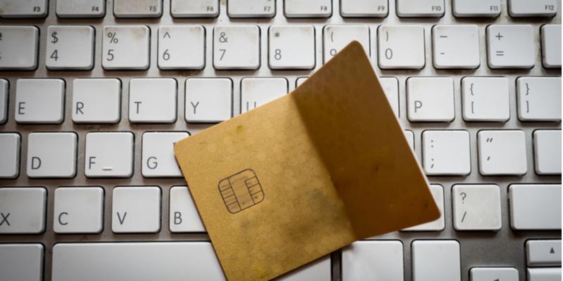 Hindari Kartu Kredit Bengkok
