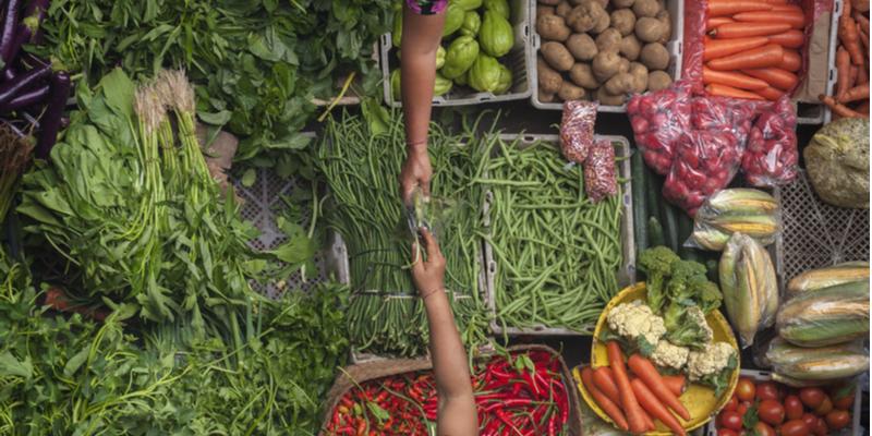 Belanja di Pasar Tradisional dan Masaklah Sendiri
