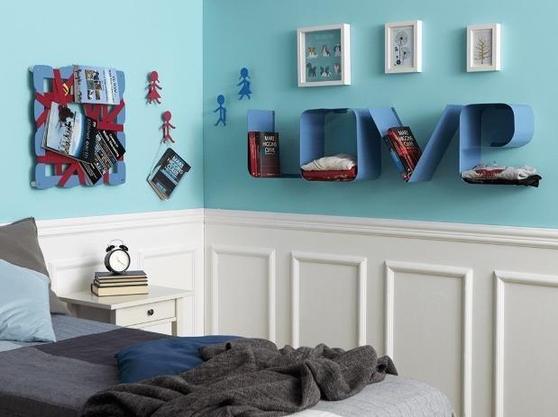 Una camera da letto piccola, può essere trasformata in una stanza ricca di possibilità, se si posseggono le strategie salva spazio e i complementi giusti. Mensole Moderne Per Arredare La Tua Camera Da Letto