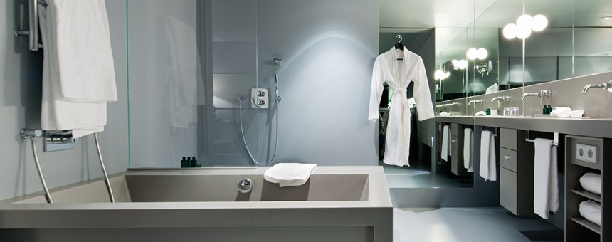 Luxury Hotel Bathroom with Towels