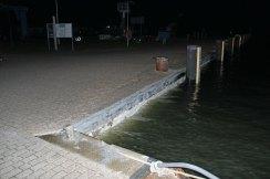 Sturmflut am 04.01.2017 am Hafen in Neuendorf