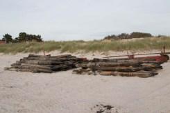 Alte Buhnen am Strand in Vitte auf Hiddensee