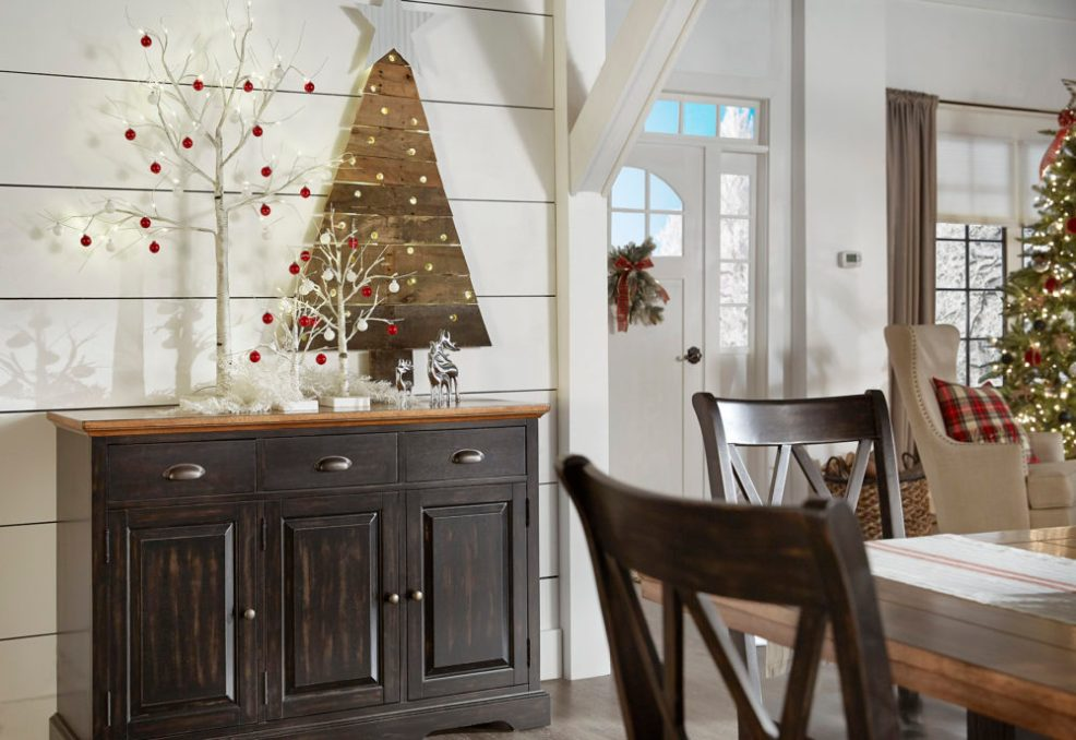 iNSPIRE Q Farmhouse Holiday Decor-- Christmas server with white tree decorative element on top