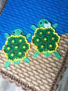 Crochet Turtle Blanket by Shaunna Hallon
