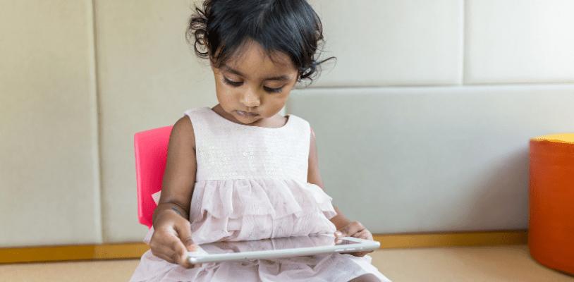 बच्चों का स्क्रीन टाइम