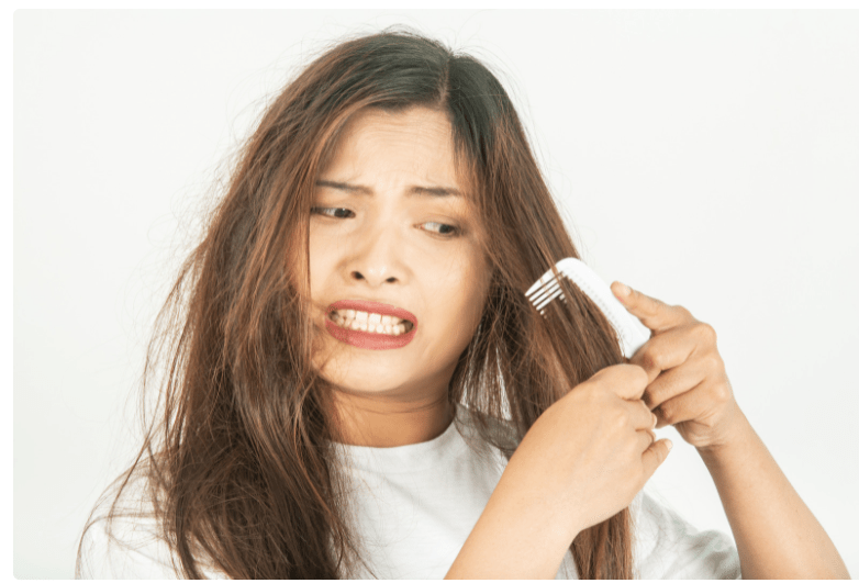 dry and frizzy hair home remedies by Iyurved