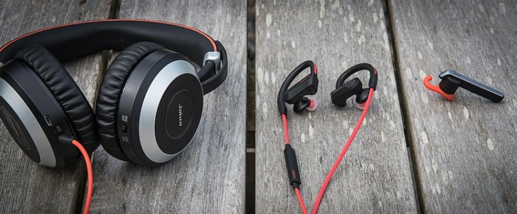 Jabra Evolve, Pace, and Storm wearing styles