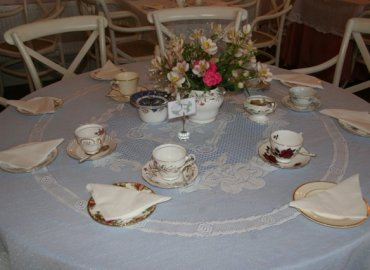 Exclusive Cake Shop and Vintage Tea Room Midhurst Jacaranda Catering_002