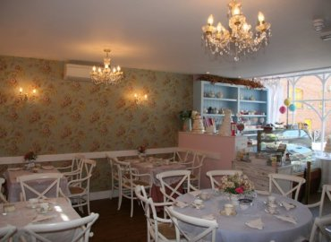 Exclusive Cake Shop and Vintage Tea Room Midhurst Jacaranda Catering_003