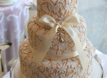 Exclusive Cake Shop and Vintage Tea Room Midhurst Jacaranda Catering_005
