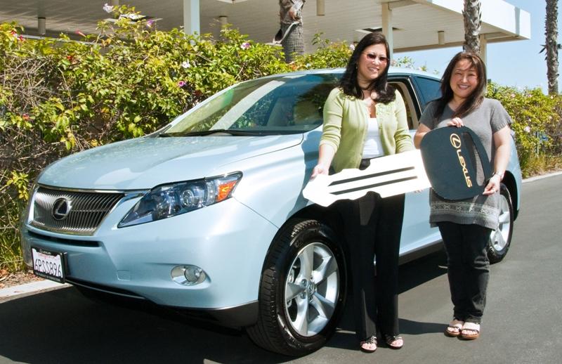 2011 Lexus winner Karen Nakawatase with Tammie Kanda of Toyota