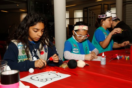 JANM staff then helped the Scouts to make their own Hello Kitty-inspired artwork. Photo: Russell Kitagawa.