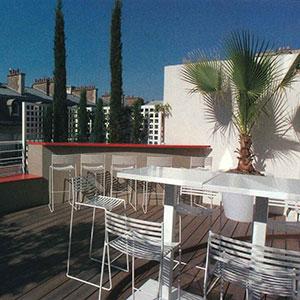 am nagement terrasse parisienne avec le mobilier emu collaboration entre opus paysage. Black Bedroom Furniture Sets. Home Design Ideas