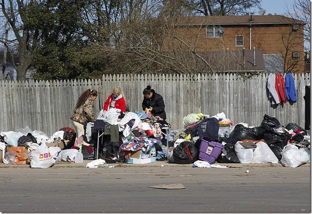 Staten Island Neighbors helping 4