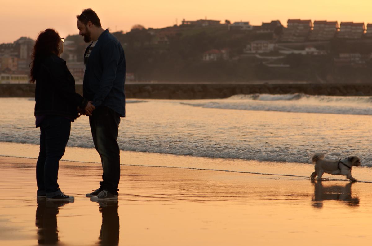 Sesión en la playa de cuchía de enamorados, preboda suances, preboda hipster, fotos enamorados, jose ferreiro, fotógrafo bodas cantabria, fotógrafo boda cantabria
