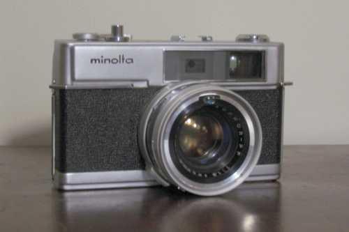Minolta Hi-Matic 7 rangefinder camera