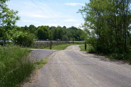 Unused segment of old SR 37 as somebody's driveway