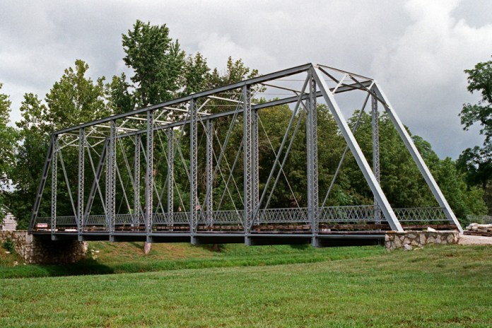 1913 Gray Bridge, née Houck Iron Bridge, Delphi, Indiana