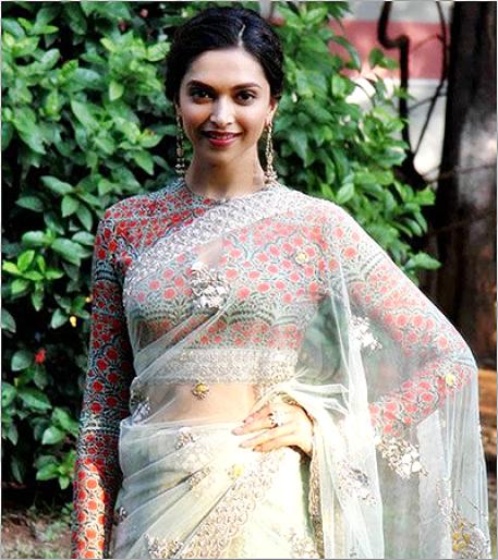 Stunning Deepika Padukone (Source: fashionlady.in)