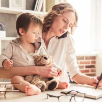 Mães empreendedoras: 3 Dicas para conciliar sua rotina