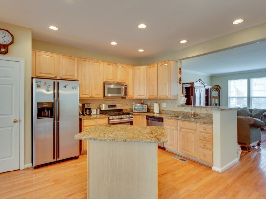 jsrealty4u lorton beautiful kitchen
