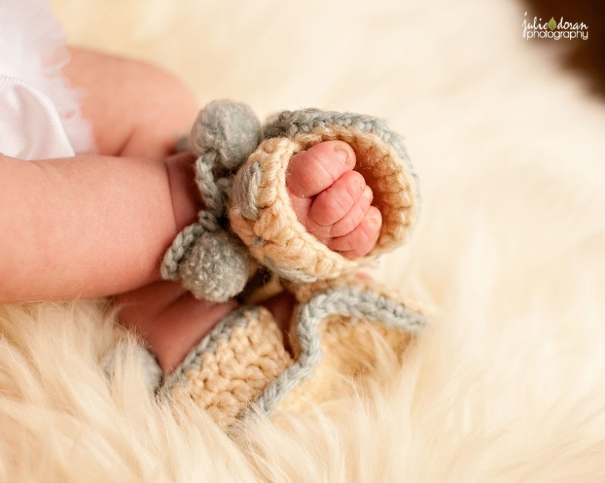 heirloom_knitted_booties