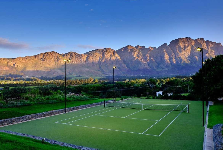 Mont Rochelle Tennis Court