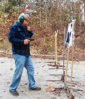 Bob Campbell shooting a .357 SIG at close distance for close quarters battle