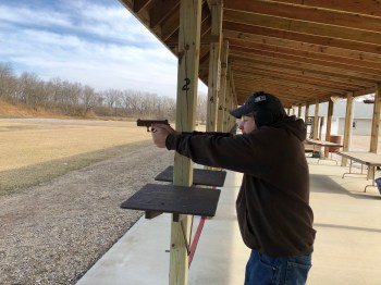 Dave Dolbee shooting the Glock 19X
