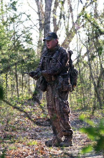 Eddie Salter calling turkeys for Turkey Scouting 101