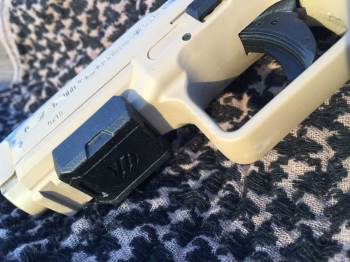 Canik TP9 SA, wearing the rail retention device
