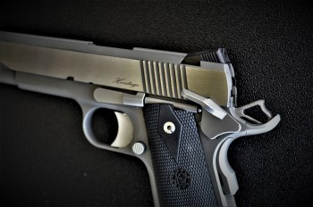 Extended speed safety on the Dan Wesson Heritage handgun